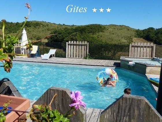Abricotier-Gîte-Famille-Salle de bain et douche-Vue sur Montagne - Tarif de base
