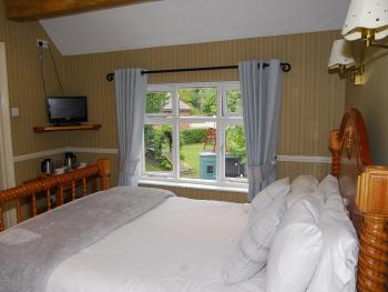 Room 5 - Double En-suite with Garden View