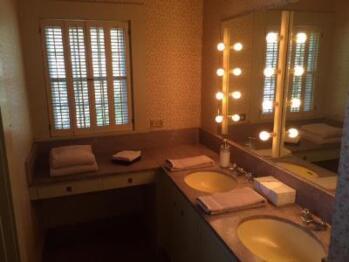 Quad room-Ensuite-Standard-Cole Porter Suite