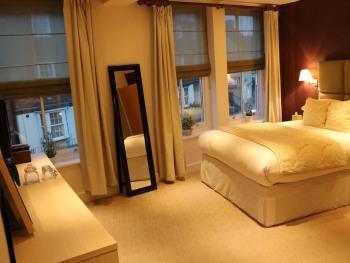 Severn Social Hotel -