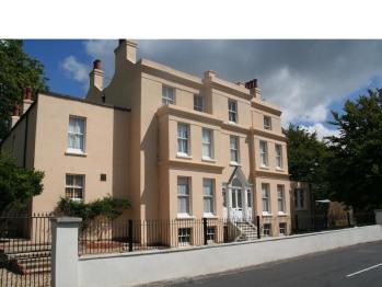 Manor House - Felpham Serviced Apartments -