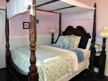 Triple room-Ensuite-Queen-River view-d CreekSide (queen).