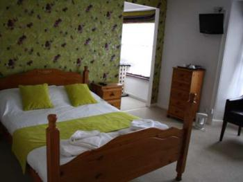 Family room-Ensuite-(Sleeps up to 4 people)