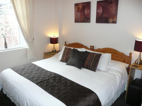 Super King Size Double Room With Full En-Suite
