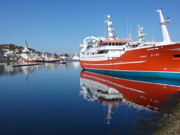 Sightseeing in Killybegs harbour, largest fishing port in Ireland