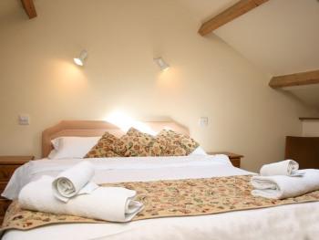 Cottage-2 - 3 Bedroom-Wet room - Base Rate