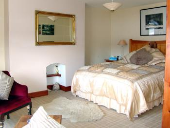 Double room-Ensuite-Loch-View Room 3 - Double room-Ensuite-Loch-View Room 3