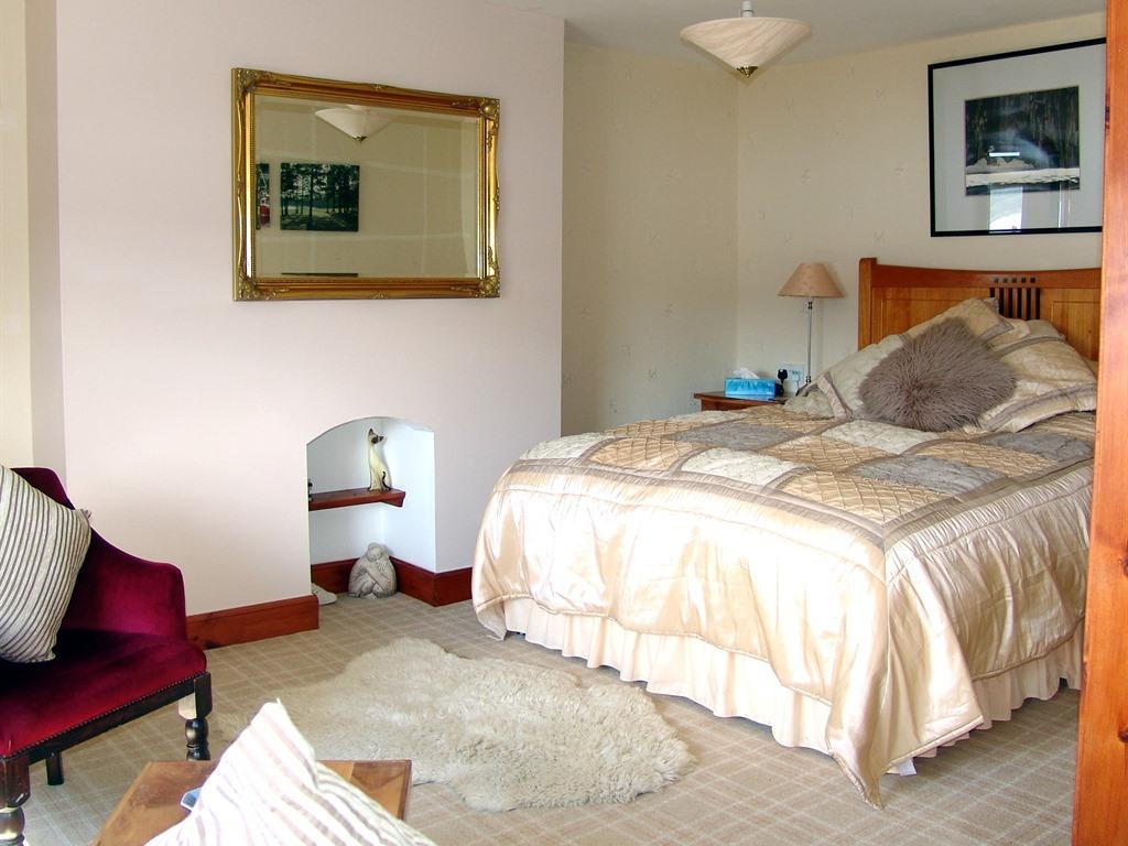 Double room-Standard-Ensuite-Loch-View Room 3