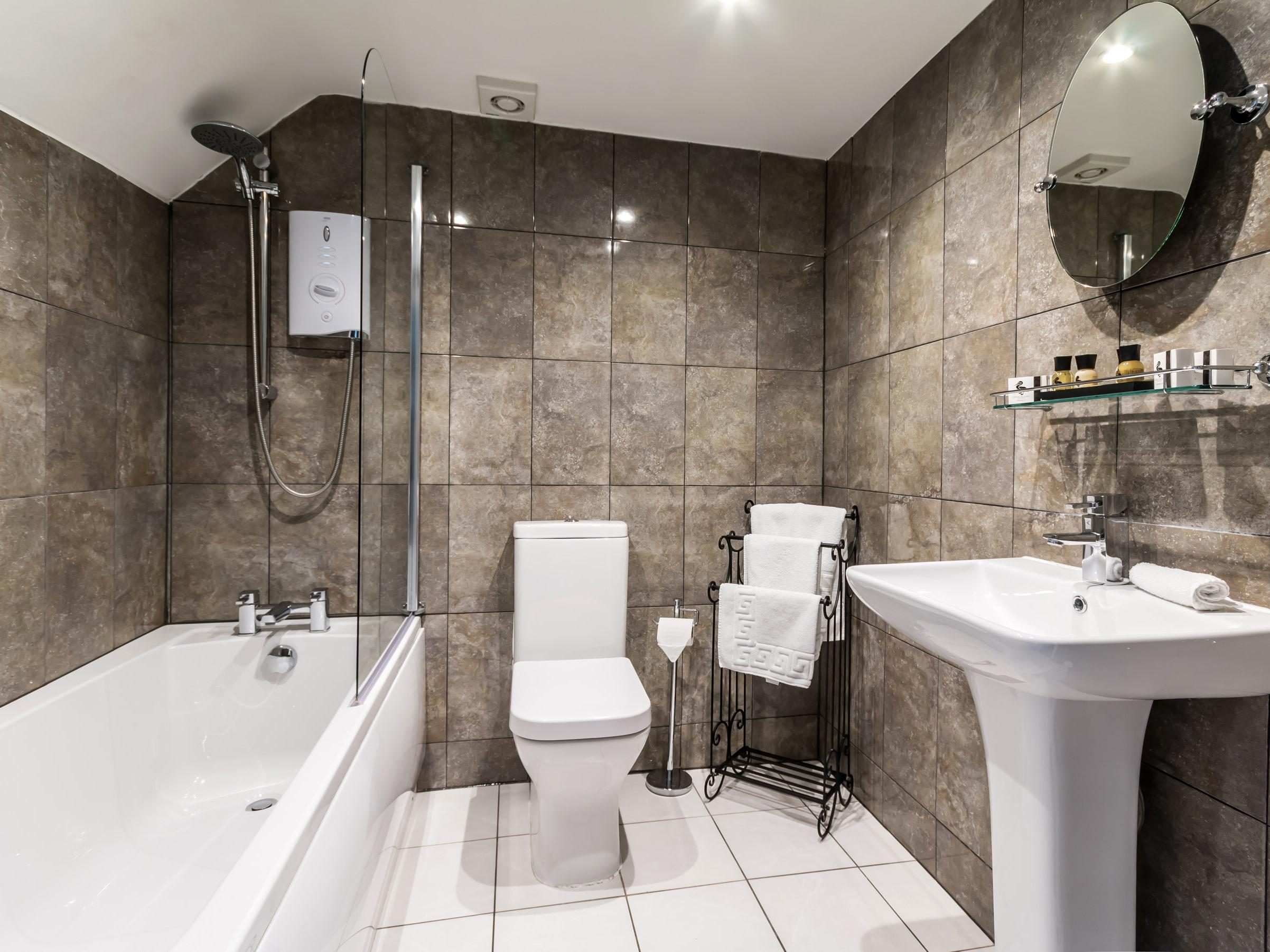 Double room-Ensuite with Bath-The Stamford - Base Rate