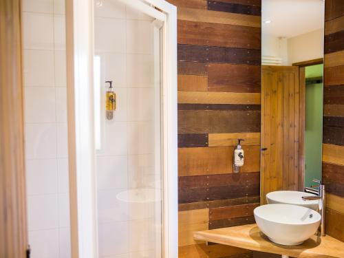 Shower Room, Electric Power showers