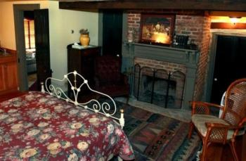 Salyard Cottage with Wood Burning Fireplace