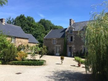 Manoir de La Rogerais & SPA - Front of the Manor