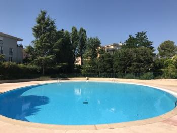 piscine partagée à 200m