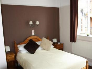 Double-Ensuite-Room Only