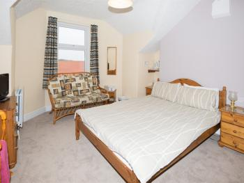 Family room-Ensuite-2 Adults & 2 Children