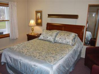 14 -1 Queen size bed-Single room-Standard-Ensuite - Base Rate