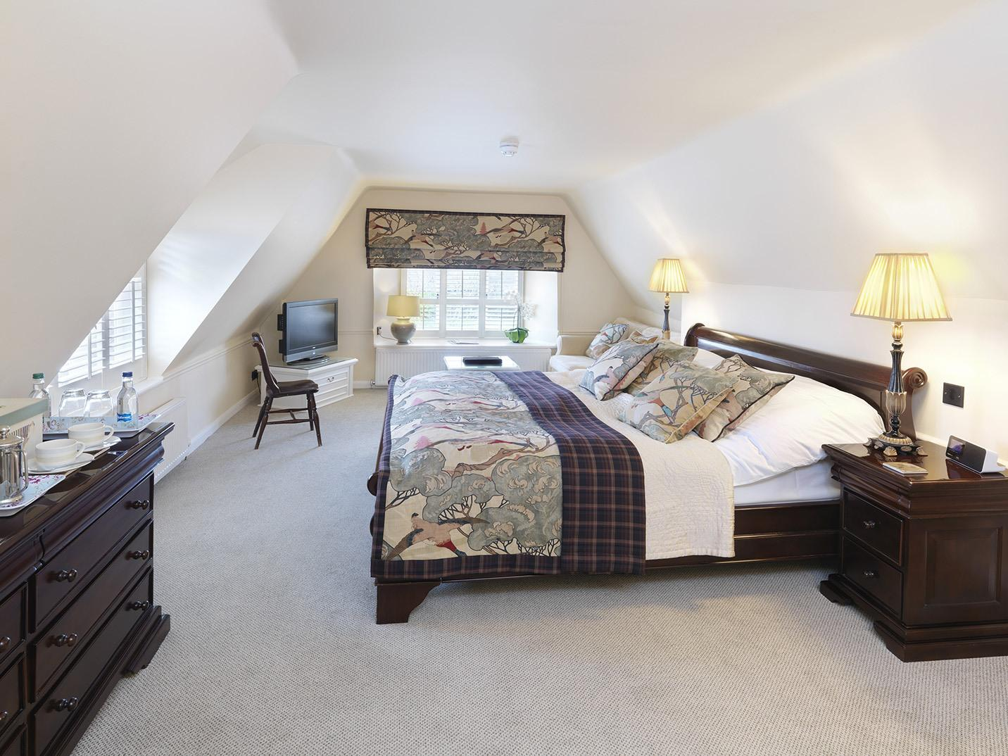 Double room-Deluxe-Ensuite with Bath-The Elton - Base Rate