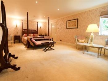 Rebecca Manor Suite