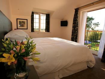 Quad room-Family-Ensuite-Terrace-Countryside view