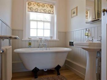 Bath tub in Coastal House