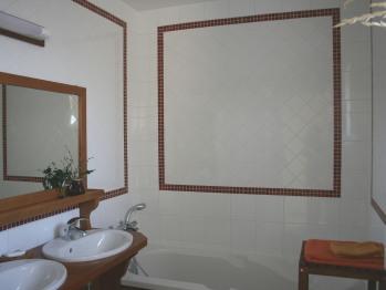 Chambre Jonquille : salle de bains