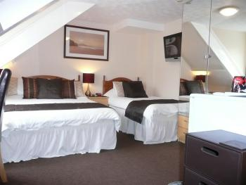 Double room-Superior-Ensuite-( 2 Adults  1 Child)