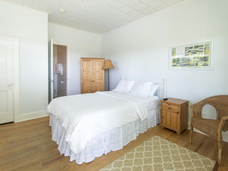 Beach House 2nd Floor-Standard-Single room-Private Bathroom