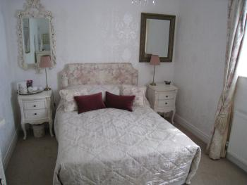 Double room-Ensuite with Shower-Room 9 - Double room-Ensuite with Shower-Room 9
