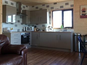 Lodge-Comfort-Private Bathroom-Lake View-Kingfisher Lodge - Base Rate