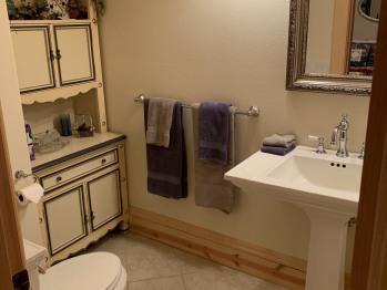 Heritage Room Bathroom