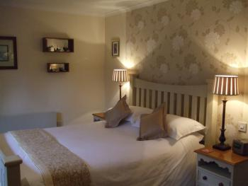 Double or Twin-Ensuite-Riverside - B&B