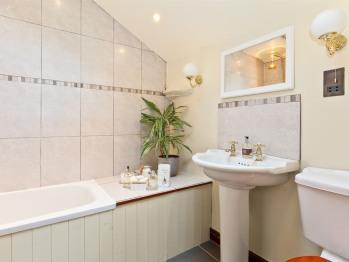 Loughrigg bathroom