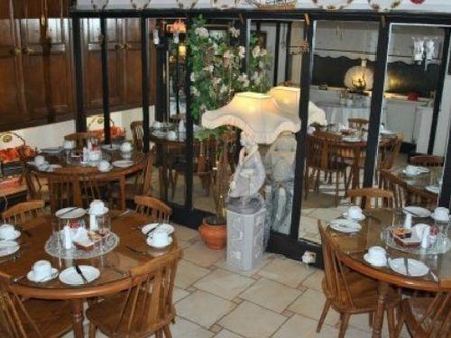 Dining room facilities