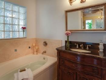 Driftwood Lagoon Bathroom