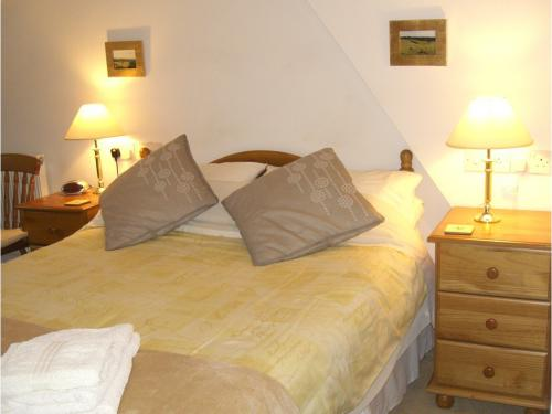 Double bedroom with optional pull out single bed
