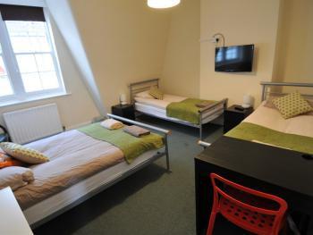 Quad room-Classic-Shared Bathroom-City View-Room 5 - Base Rate