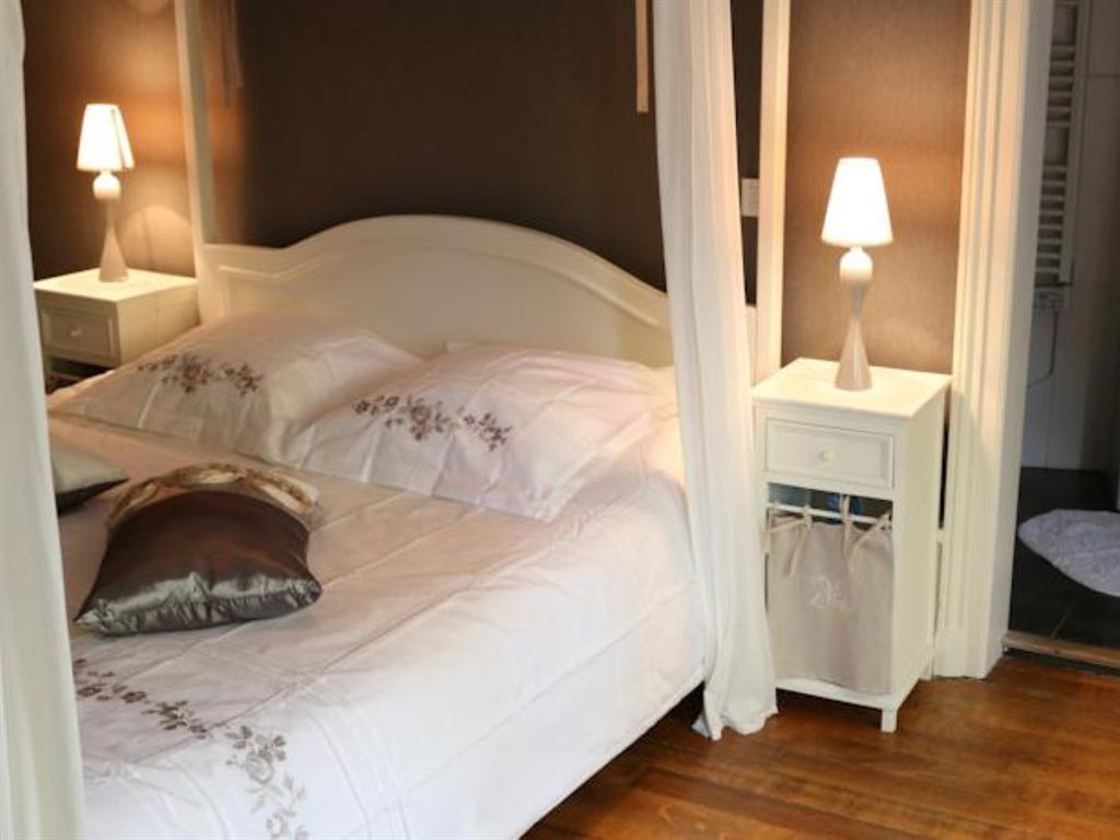 Double-Confort-Salle de bain privée séparée-La Romance