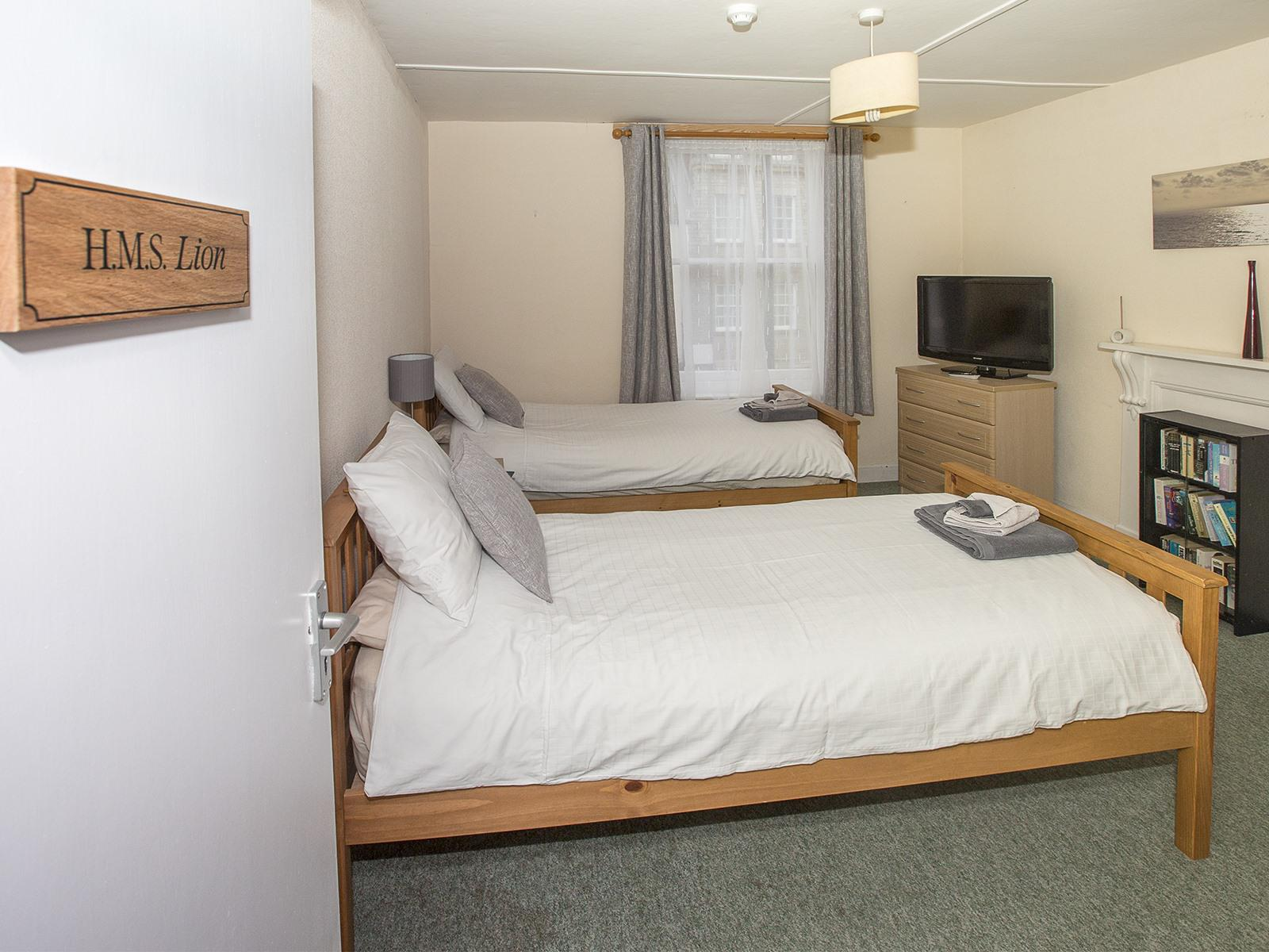 Twin room-Superior-Separate-Private Bathroom-Street View