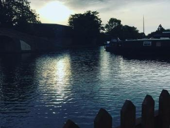 Morning on the Grand Union Canal