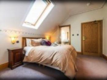 Family Ensuite - 2 Adults & 2 Children