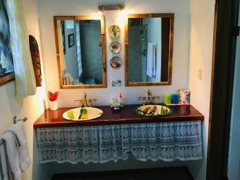 Mono Congo Bungalow Bathroom
