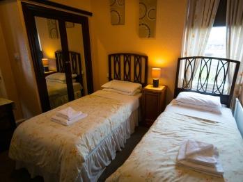 Twin En-suite - Room Only