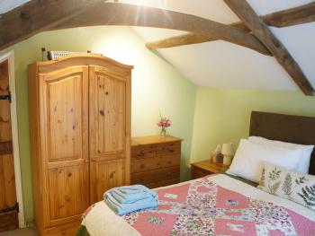 Cottage-Private Bathroom-Garden View-Self Catering - Base Rate