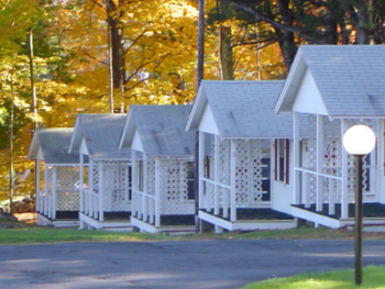 Queen-Ensuite-Cottage-Lake View-2 Queen Cottage w/ Porch