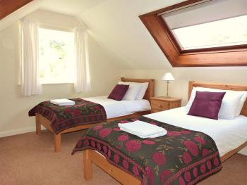 Buttercup Cottage twin room (self catering)
