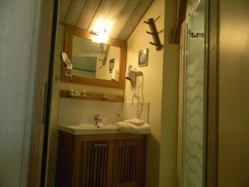 Salle d'eau avec douche à l'italienne Chambre rivages