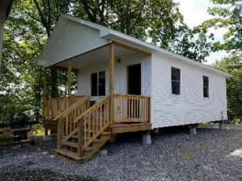 Deluxe Queen Cottage -  2 Queens, spacious porch, great view, all new for 2018