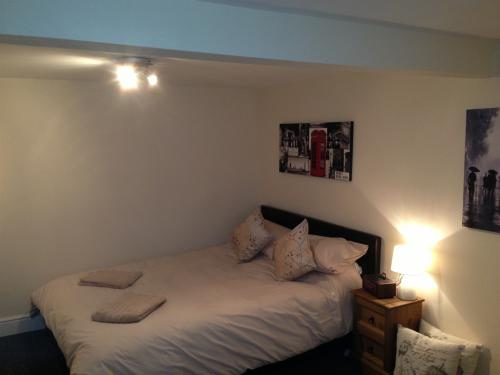 Room 7 Double Bed