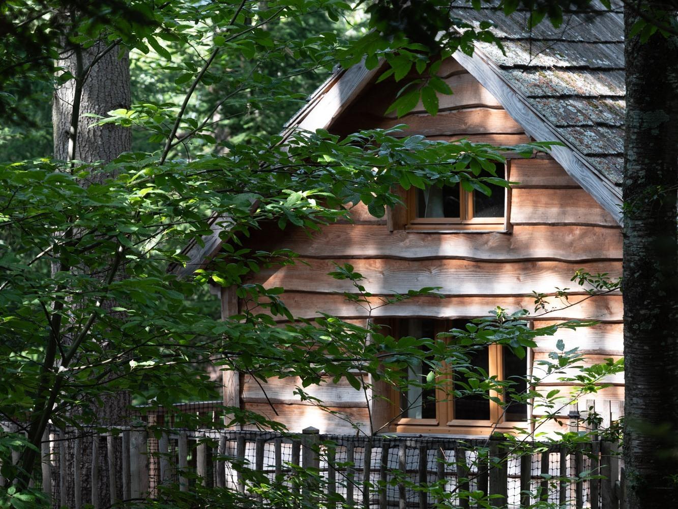Cabine-de Luxe-Salle de bain Commune-Terrasse-Cabane PANDA Insolite