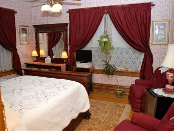 Reaser Room-Double room-Ensuite with Shower-Premium-Street View